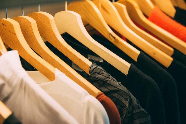 Tips Memilih Warna Baju Kaos yang Bagus dan Sesuai dengan Tipe Kulit