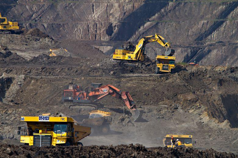 4 Perusahaan Raksasa Dalam Sektor Tambang Emas di Indonesia