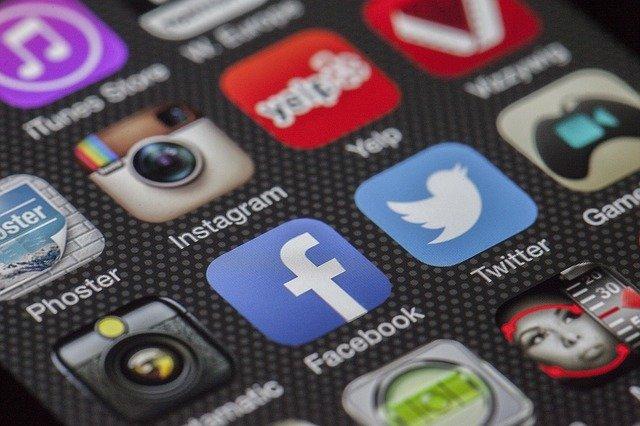 Cara Mudah Untuk Hapus History di Facebook